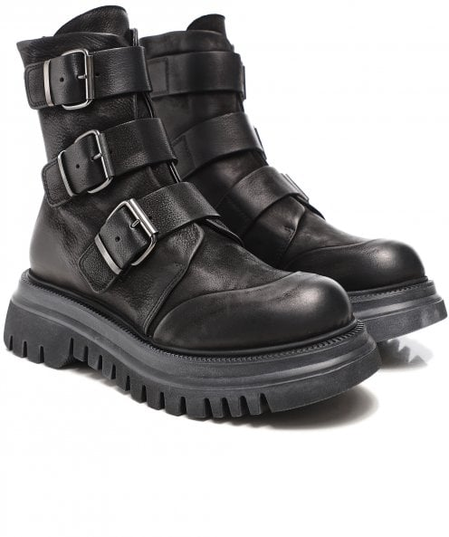 Lofina Leather Buckled Boots